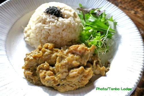 ペルー風ベジ鶏肉入り茸のクリームカレー