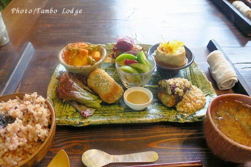 穀物菜食の隠れ家的レストラン「こと葉」でランチ