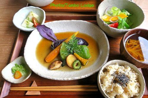 夏の自然茶寮 廻meguri