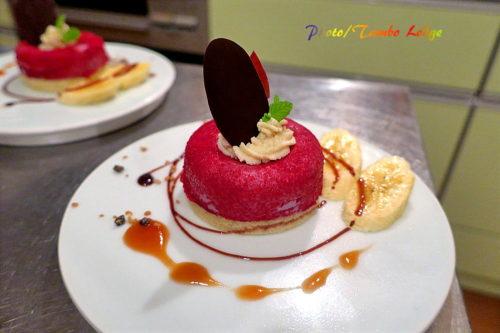 葡萄ムースのケーキ
