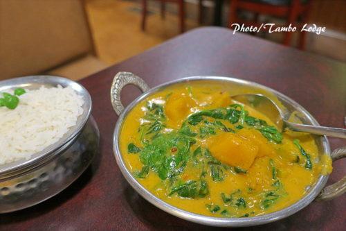 教室の打ち上げは、ネパール料理のレストラン