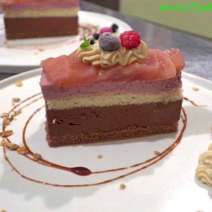 ジャンドゥーヤクリームとフランボワーズのムースケーキ(2)