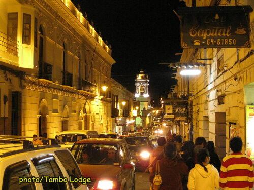 美しい街Sucreの夜景