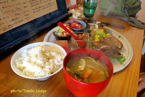 今年2回目、自然食レストラン「Matsu 松」でランチ