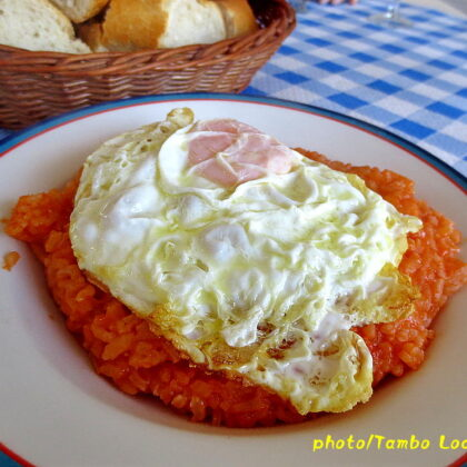 Burgos手前のレストランでランチを食べる