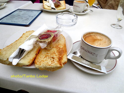 サンセバスティアンでの朝の散歩と朝食