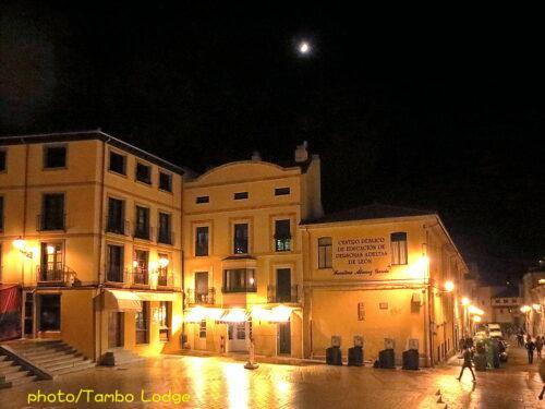 レオンの街の夜の風景