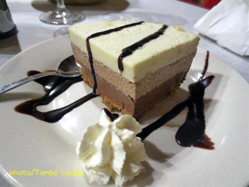 「Villar de mazarife」のBarでの夕食