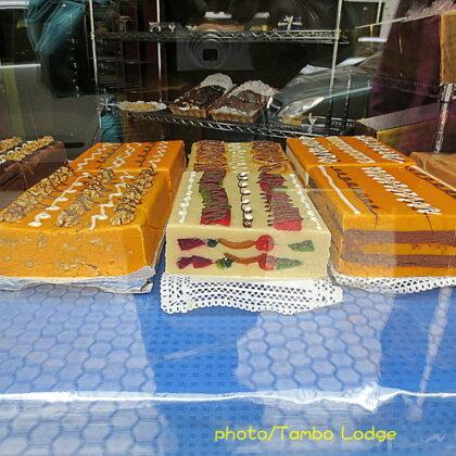 スペイン・バスクの伝統菓子を食べる