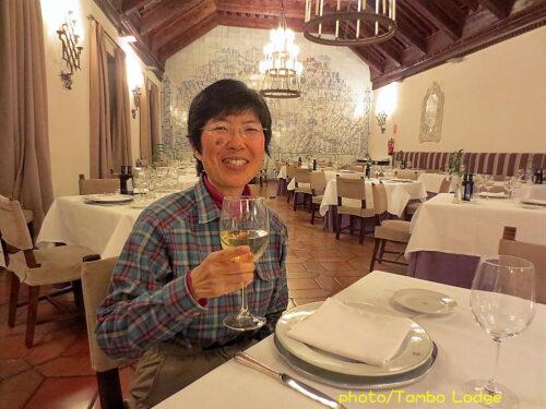 CuencaのParadorでディナーを食べる