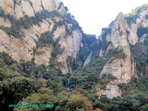 ケーブルカーに乗って、Montserratの頂上へ
